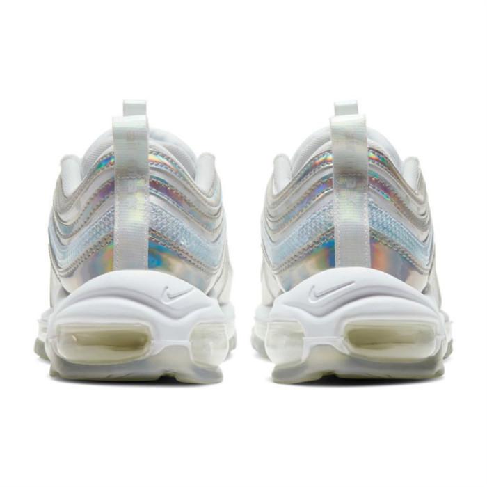 Nike,Air Max 97 WMNS PRM,Air M 一眼种草的神仙配色!这双 Nike 幻彩子弹,值 __ 分?