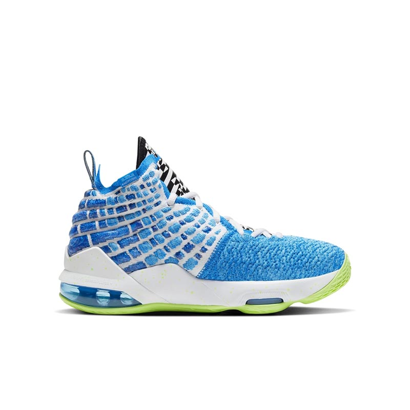Nike,LeBron 17,LBJ17,LeBron 17 蓝天白云的清爽气息!Nike LeBron 17 全新配色曝光!