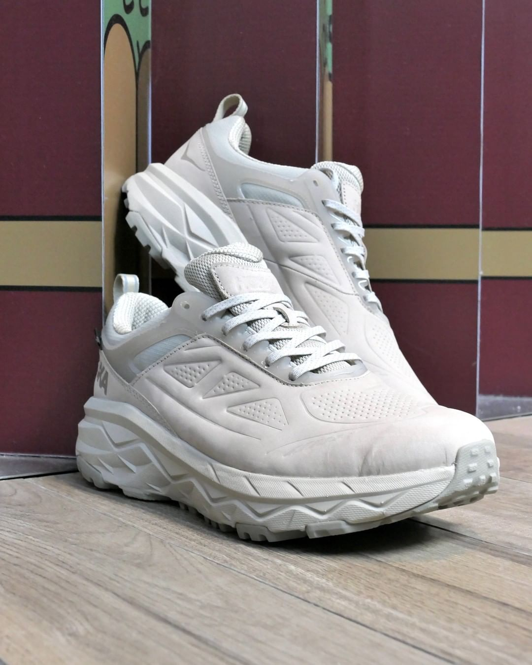 HOKA ONE ONE,Challenger Low,GO 搭载 GORE-TEX 科技!HOKA ONE ONE 全新山系跑鞋登场!