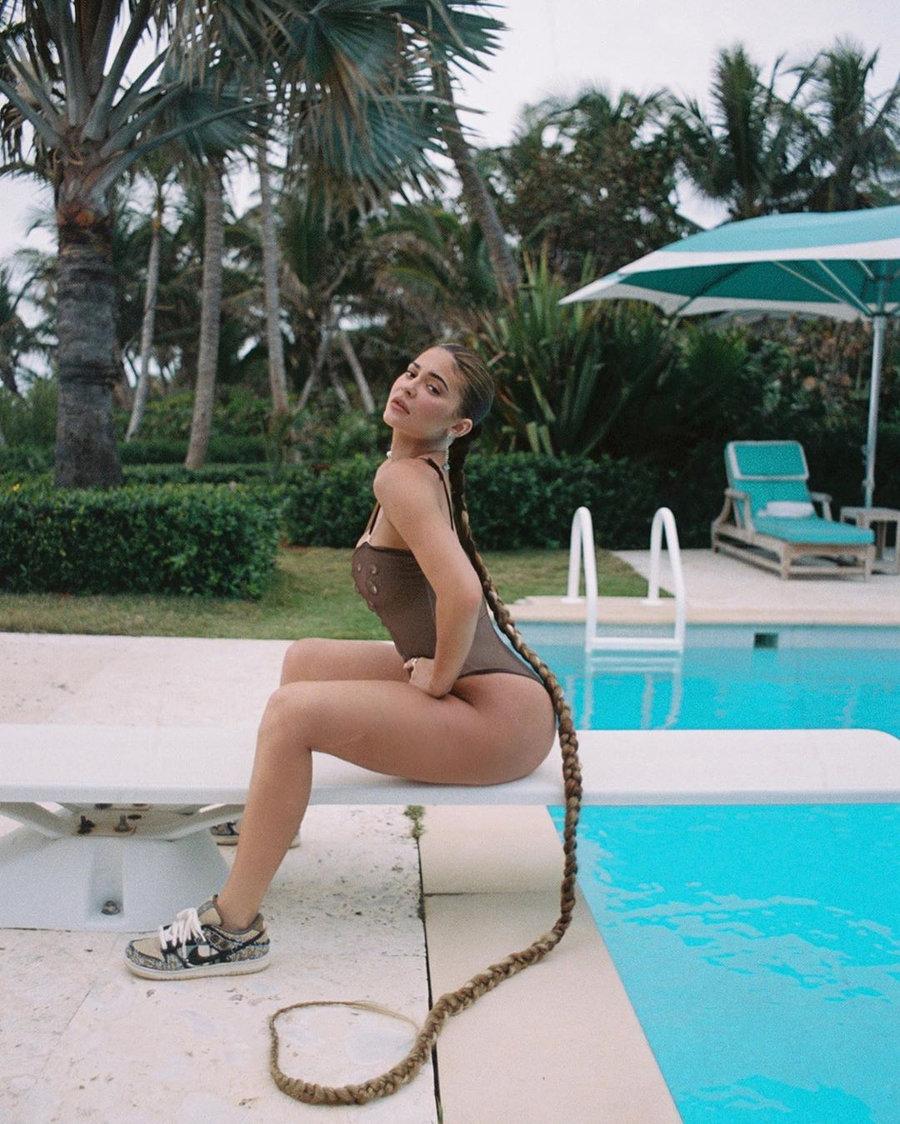 kanye,ts,kylie,yeezy,dunk,aj,n  顶级球鞋女神!21 岁拥有 60 亿身价,跟她比 DJ Soda 就是贫民!