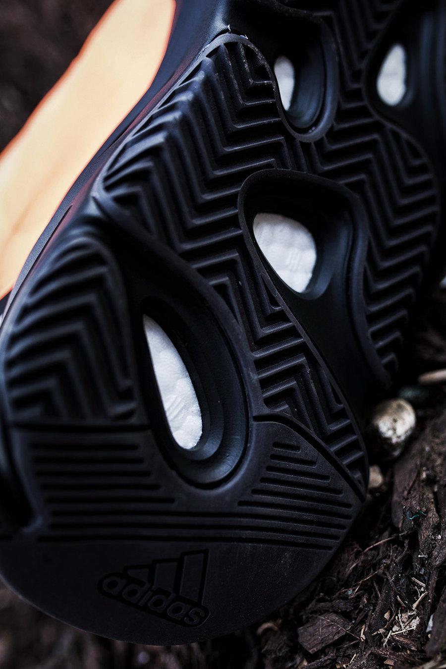 Yeezy 700 MNVN,adidas,发售,开箱,上脚  本月最难抢的 Yeezy 后天发售!看完小编上脚绝对真香!