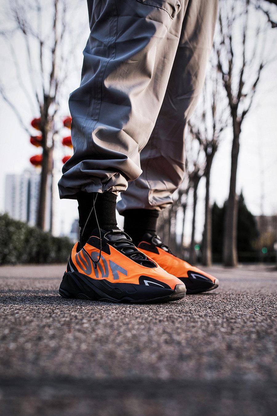 AJ1,Air Jordan 1,Yeezy 700  本周末 4 双限量球鞋新品,在这个特殊时期的行情如何?
