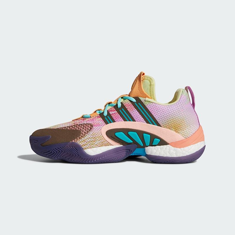 adidas,菲董,Pharrell Williams  Boost + 全掌抗扭转!菲董「天足」篮球鞋国内抢先发售!