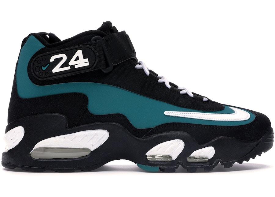 随着,Nike,Dunk,系列,的,大热,越来越,多的,  源自复古棒球战靴的经典配色!全新 Nike Dunk SB Mid 谍照释出!