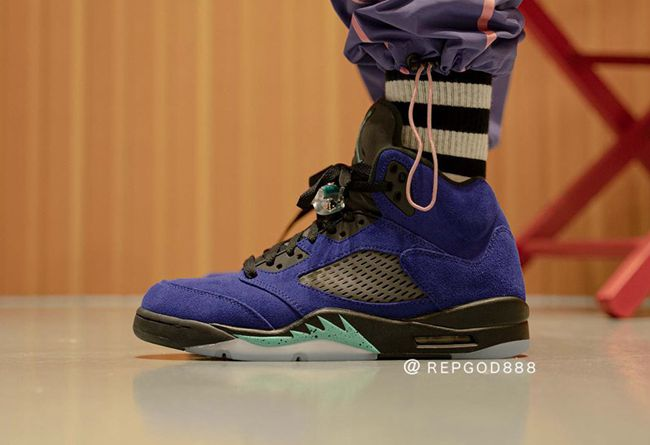 AJ5,Air Jordan 5,Alternate Gra  紫葡萄 Air Jordan 5 實物上腳曝光,確定 6 月發售!