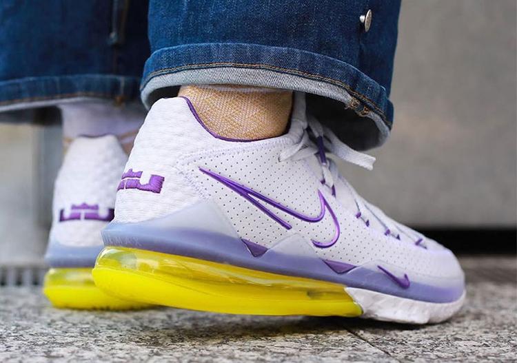 """莆田鞋-Nike LeBron 17 Low """"Lakers Home"""" 货英超下注平台:CD5007-102插图(3)"""