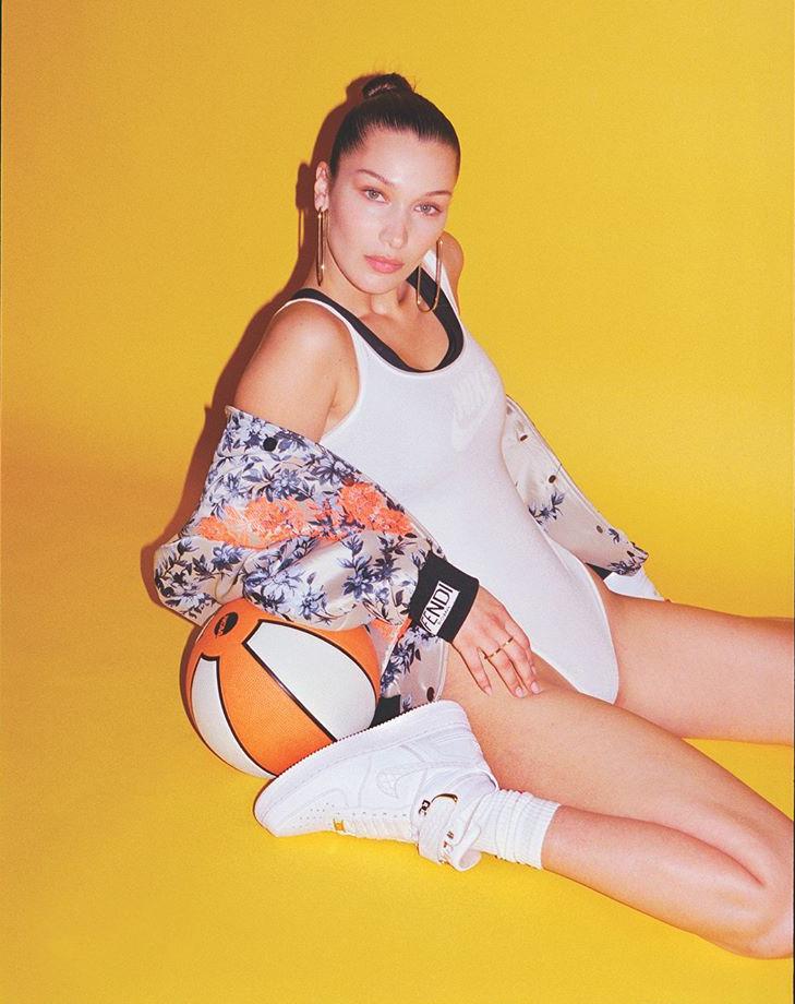 OFF-WHITE,AJ1,Air Jordan 1,明星  性感大长腿就是球鞋绝配!顶级超模也爱 OFF-WHITE x AJ1!