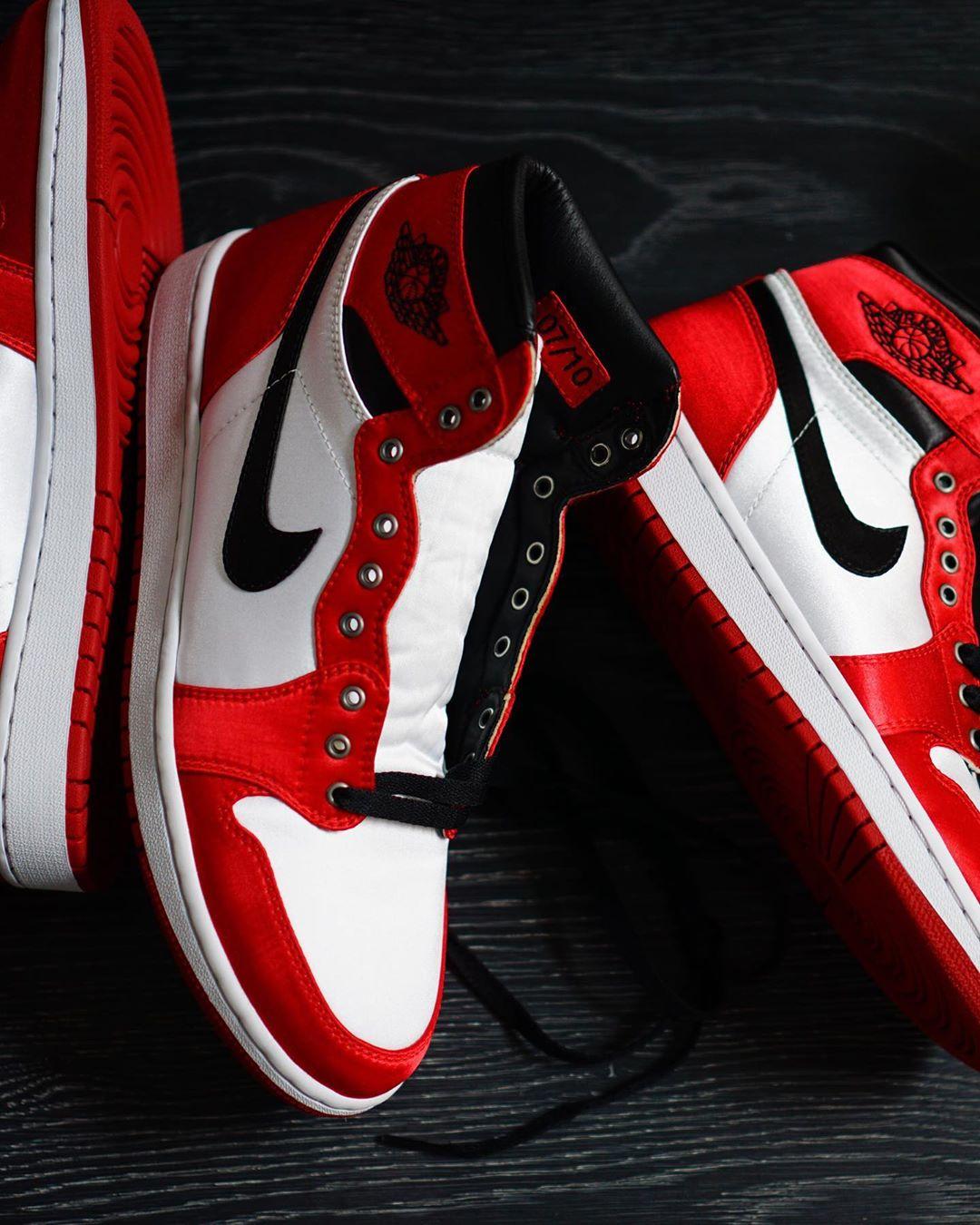 hoopfr3sh,AJ1,SATIN  全球限量 10 套的丝绸 Air Jordan 1!万元发售价,上架秒售罄!