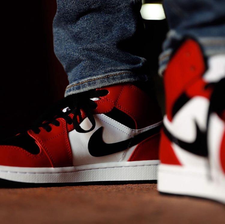 AJ,AJ1 Mid,Air Jordan 1 Mid,Ch  反转黑红 + 芝加哥官网上架!这双 Air Jordan 1 Mid 估计很抢手!