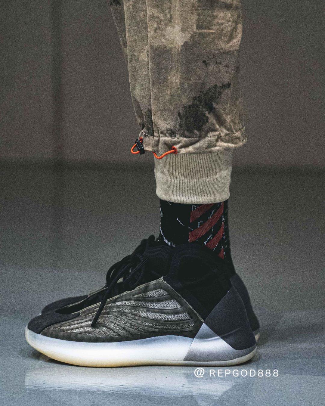 adidas,Yeezy Quantum,H68771,发售  全新 Yeezy 篮球鞋上脚真的帅!还有满天星鞋身!