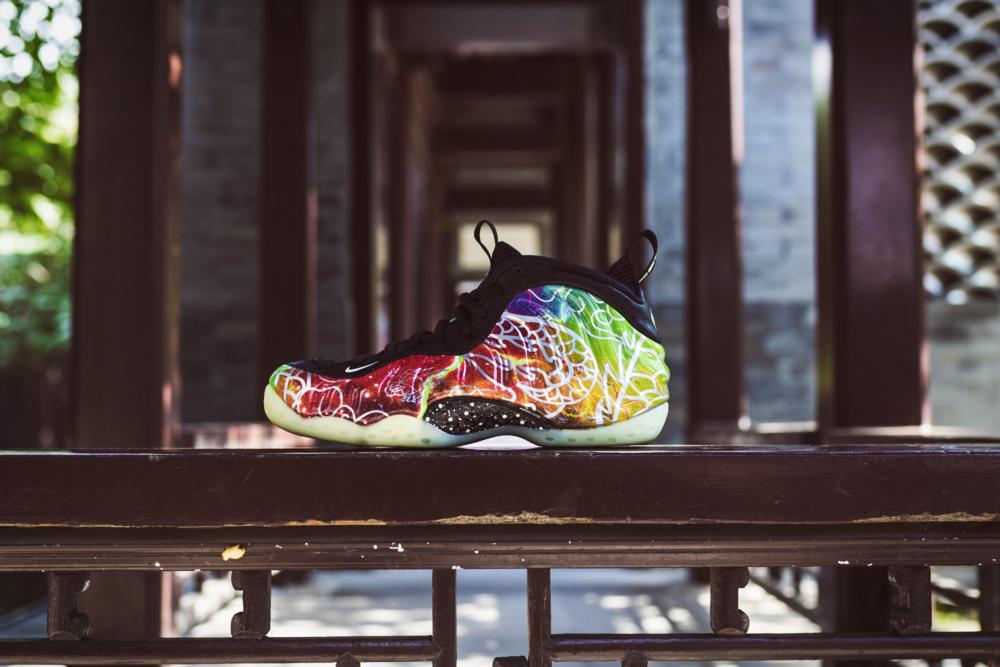 Nike,Air Foamposite One,发售,开箱,  这个隐藏效果看完都惊了!北京喷开箱上脚来了!市价 4K+