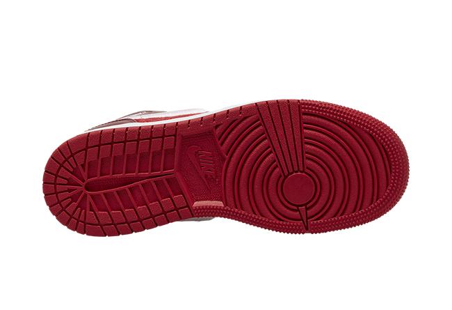 Air Jordan 1 Mid GS,AJ,AJ1,AV5  多材質拼接打造!這雙 Air Jordan1 Mid 你打幾分?