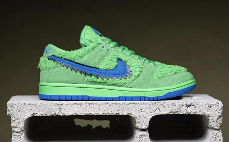 Grateful Dead,Nike,Dunk SB  全新小熊 Dunk SB 细节曝光!又一双「鞋子带兜」的狠货要来了