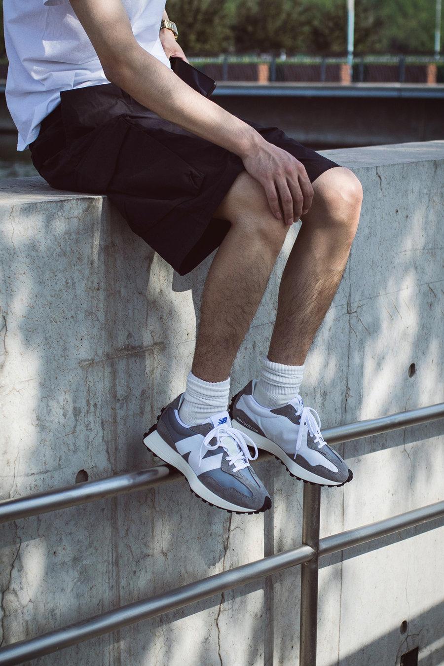 New Balance 327,NB  近期最大黑马!不靠余文乐这双鞋也超火!但是听我的先别买!