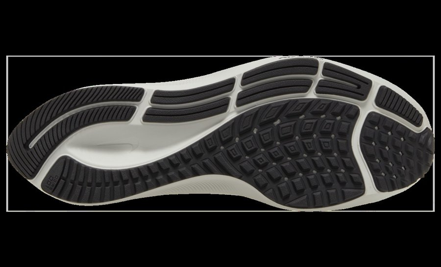 Pegasus 37,Nike,发售  素描 Swoosh + 小白鞋造型!全新 Pegasus 37 释出官图!