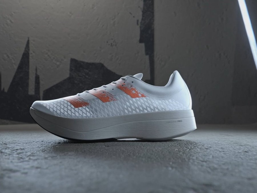 adidas,adizero adios Pro,发售  硬刚 Nike!adidas 全新碳板跑鞋问世!这设计真没见过!