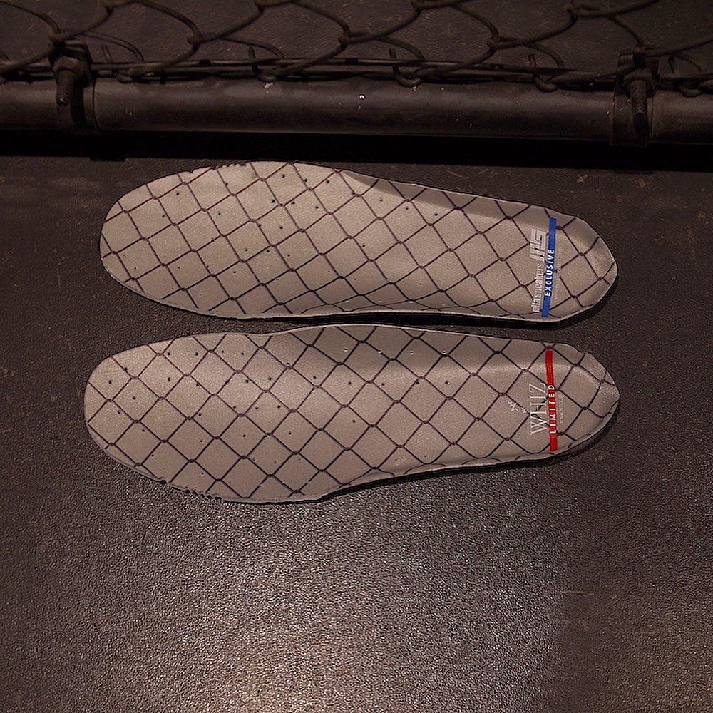 WHIZ LIMITED,mita sneakers,New  阔别 8 年的三方联名!这双 New Balance CM1700 颜值太高了!