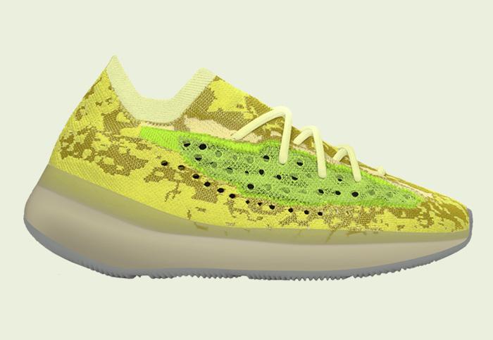 adidas,Yeezy Boost 380  第一双夜光 Yeezy 380 实物曝光!这中毒绿看着如何?