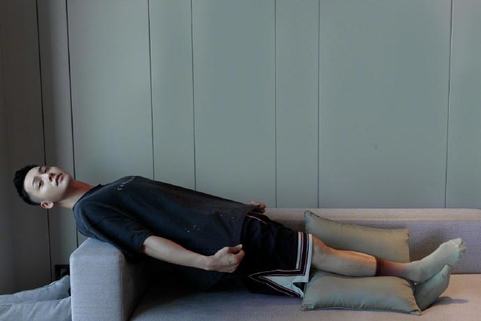 昨天,一大早,陈伟,霆便,发布,了,自己,主理,的,  王嘉尔晒 adidas 新鞋,陈伟霆潮牌火上热搜!近期明星上脚太养眼!