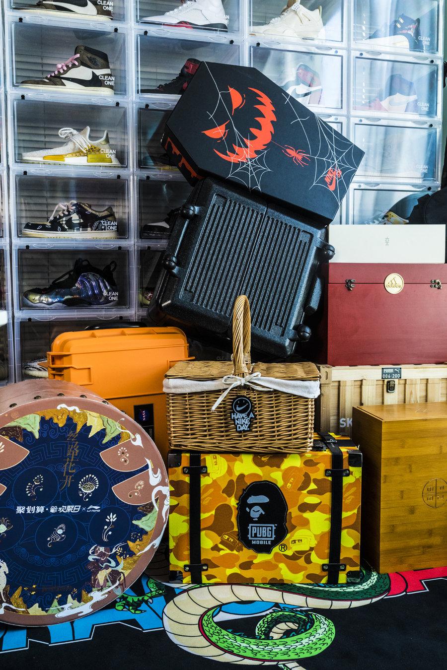 开箱,个,特殊,球鞋,礼盒,亲友,限定,第一个,  开箱 10 个特殊球鞋礼盒 + 亲友限定!第一个你就没见过!