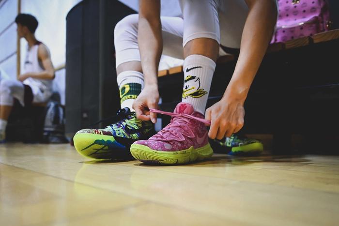 耐高,上,脚,  多亏他们一年的锲而不舍!才有了这篇满分的球鞋美图!