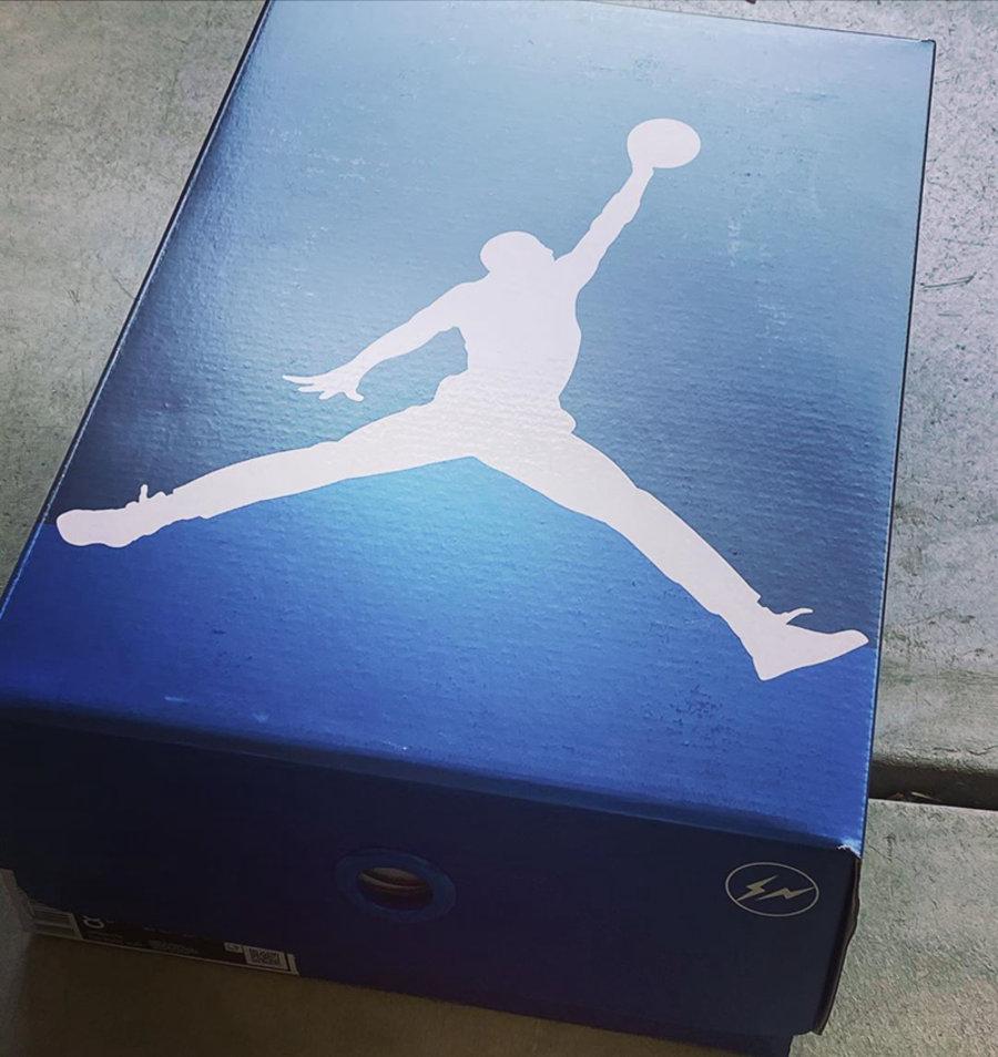 时隔一天冠希就放王炸!光看鞋盒看起来就很高级!