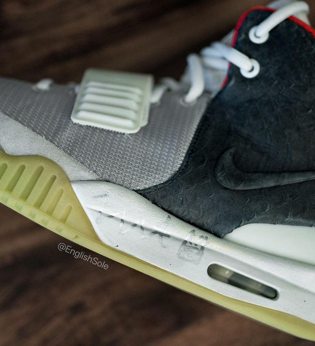 Nike,Air Yeezy 2  全世界只有一双的 Nike Air Yeezy 2!侃爷亲签亮了...