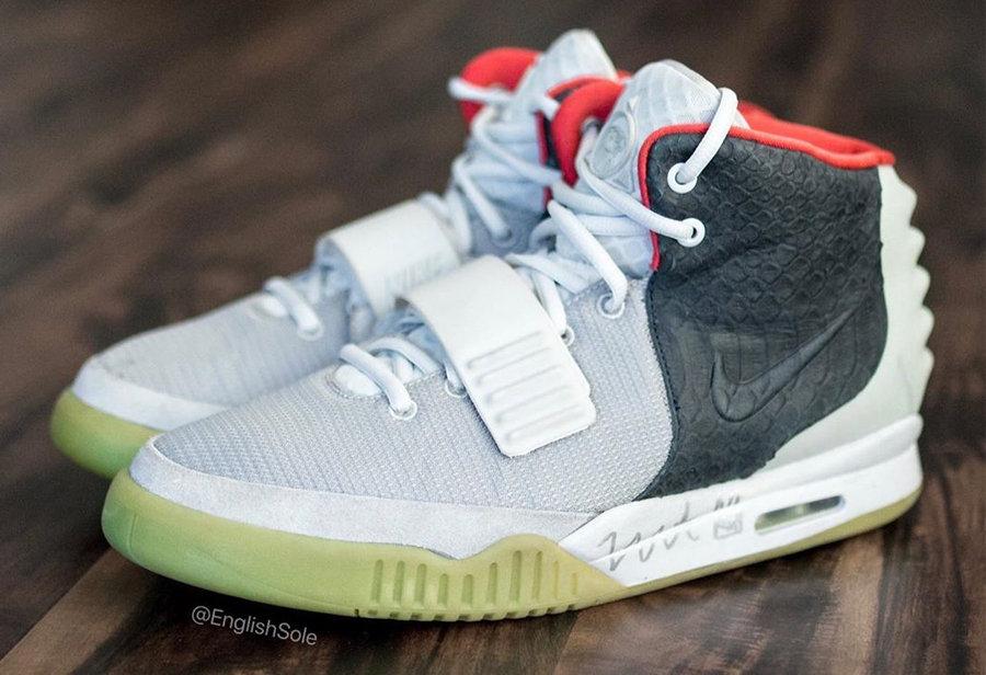 全世界只有一双的 Nike Air Yeezy 2!侃爷亲签亮了...