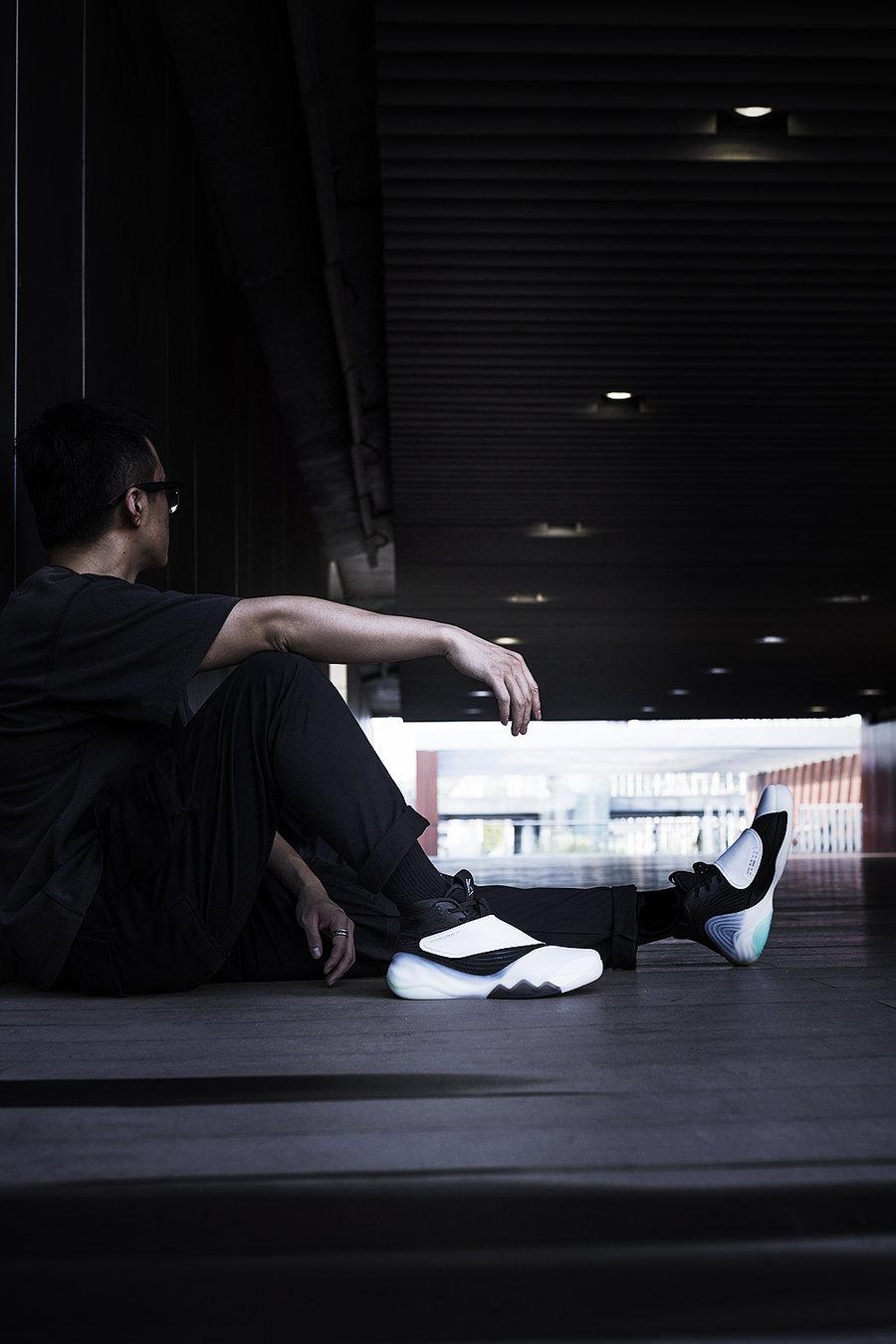 KT6,安踏,发售  这双球鞋有「防弹科技」?!光看鞋盒就惊呆了!同价位还有谁?