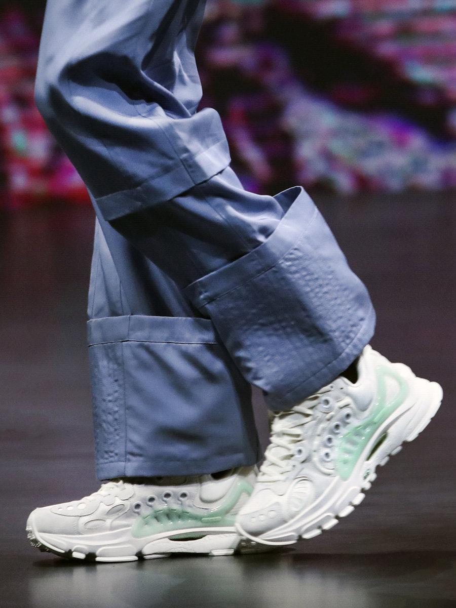 李宁  全掌䨻!双镂空!都是没见过的新鞋!李宁这波狠货给我看傻了!