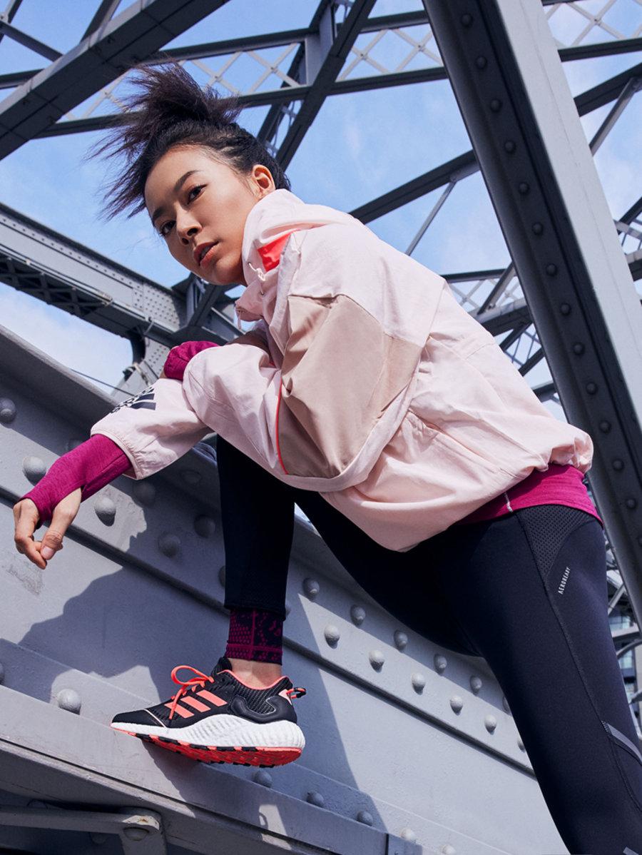 adidas  防滑、防水、还保暖!adidas 全新冬季鞋款现已发售!
