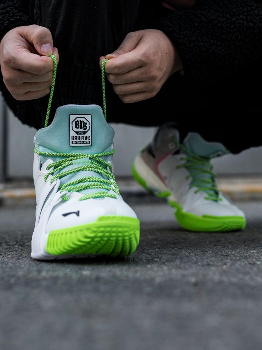 李宁,反伍一代,badfive  缓震黑科技 + 超高性价比!球场上就该穿这样的鞋!