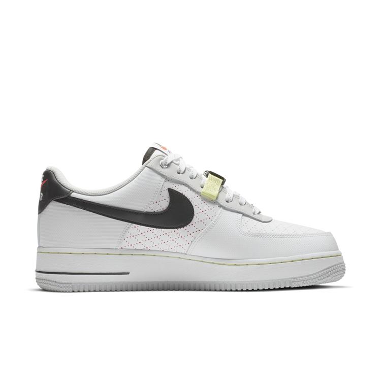 Nike,Air Force 1  机能风的 Air Force 1 终于来了!这设计你打几分?