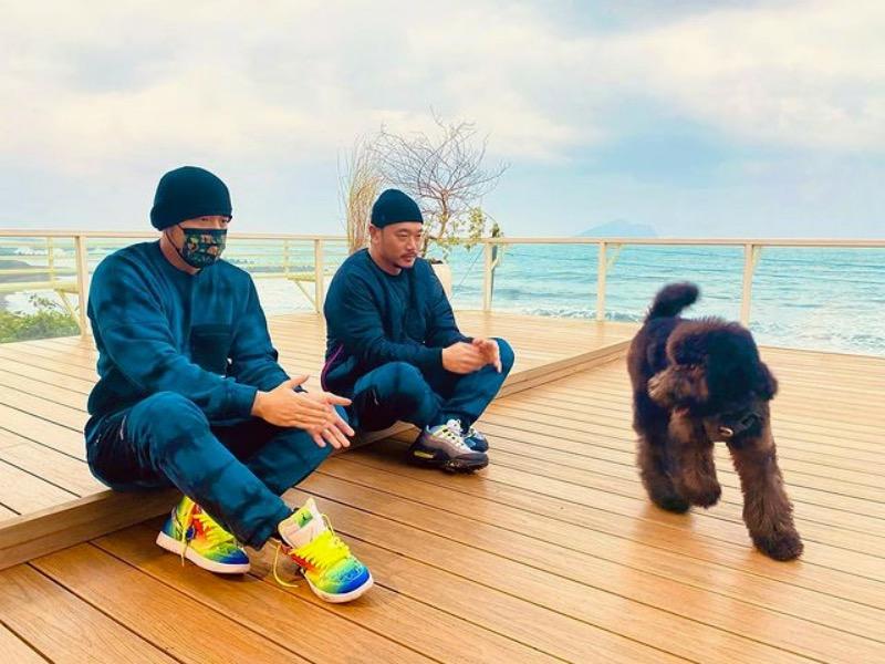 明星球鞋  Lisa、杨超越隔空 PK?!两位球鞋女神你更爱谁!