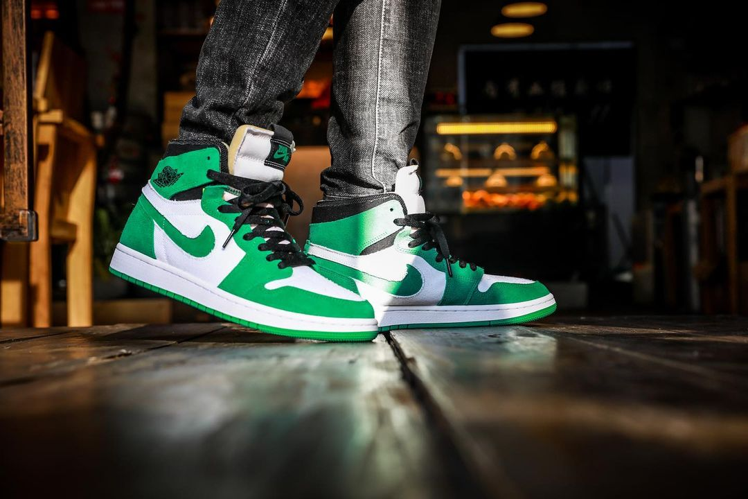 AJ,Air Jordan 1 Zoom CMFT,Stad  喜力配色既视感!白绿 Air Jordan 1 Zoom 实物上脚曝光!