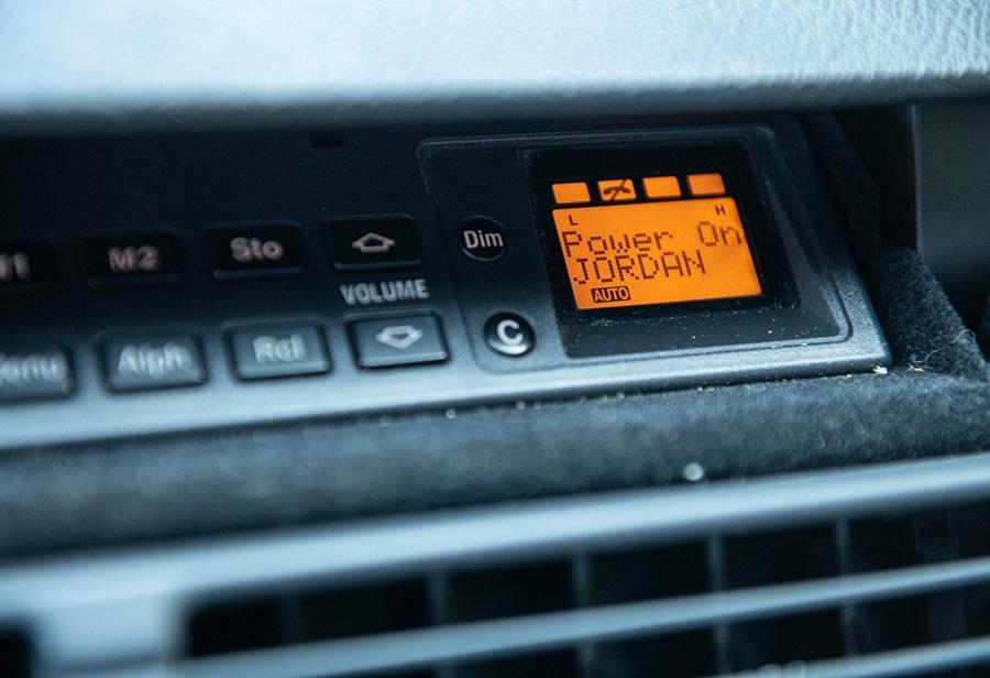 乔丹,奔驰,S600  车不如鞋!乔丹座驾奔驰 S600 Coupe 刚刚上架拍卖!