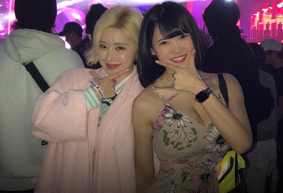 "DJ Soda,DJ MEL,DJ Natsumi  玩球鞋、穿 Supreme!她被喷:""山寨版"" DJ Soda!可身材是真的顶!"