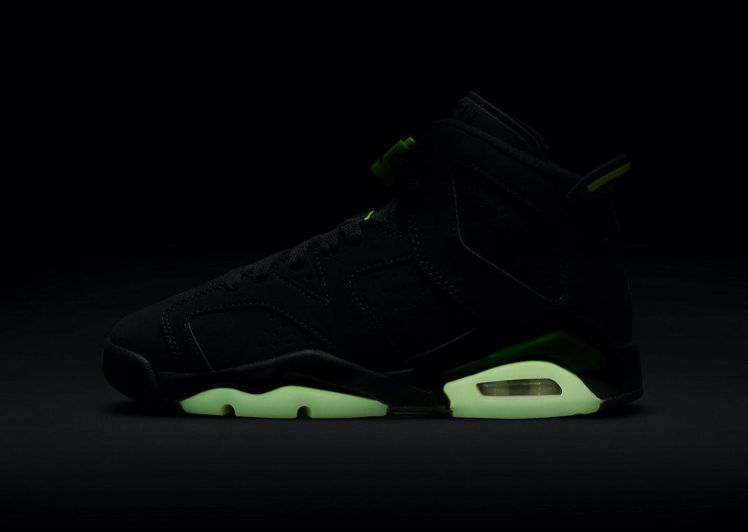 发售提醒,Nike,sacai,Yeezy  周末发售提醒!sacai x Blazer、Yeezy 500,还有大闪电联名!