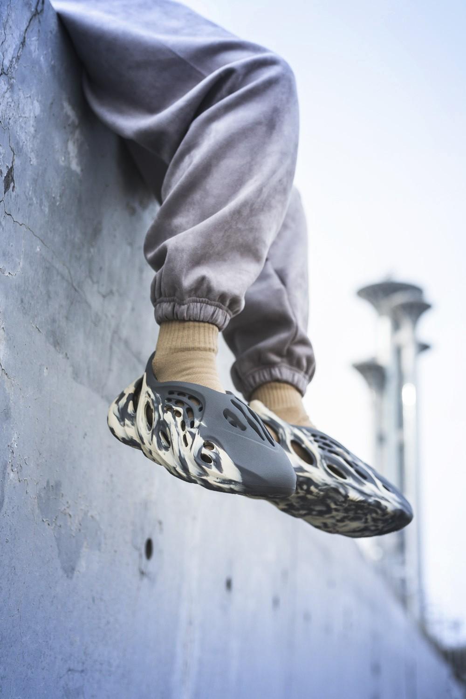 Air Jordan 1,AJ1,Air Max 1,Yee  市价 3000+!古铜变色龙 AJ1 本周发售!还有死亡之吻、Yeezy 新鞋!