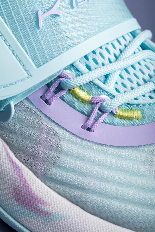 安踏,水花 3  真不愧国产鞋标杆!安踏新一代「销量王」刚上架就卖爆!不买也得看看!