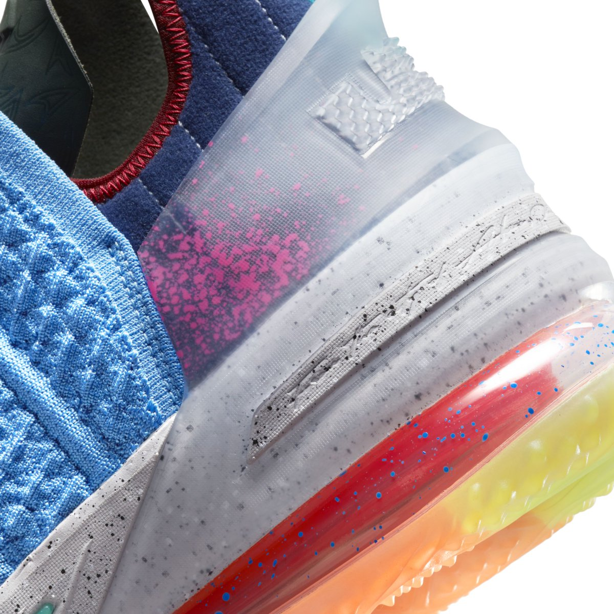 Nike,Lebron 18  南海岸 + 糖果外底!高颜值 Lebron 18 实物图曝光!