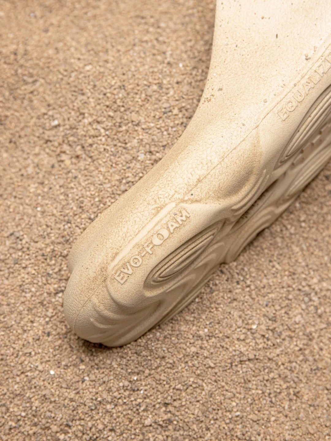EQUALIZER,OASIS  迅速售罄!拖鞋颜值太高!四月初补货!