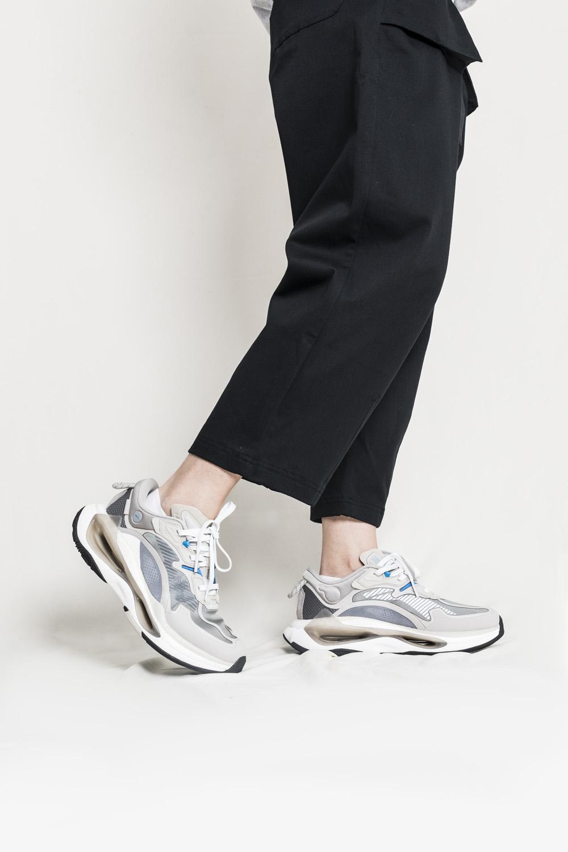 李宁,超越 Infinity  三重缓震双镂空!真没见过长这样的鞋!本月惊喜 +1!