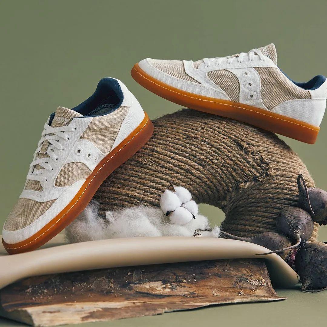 发售,Saucony   100% 环保!索康尼推出 40 周年纪念鞋款!