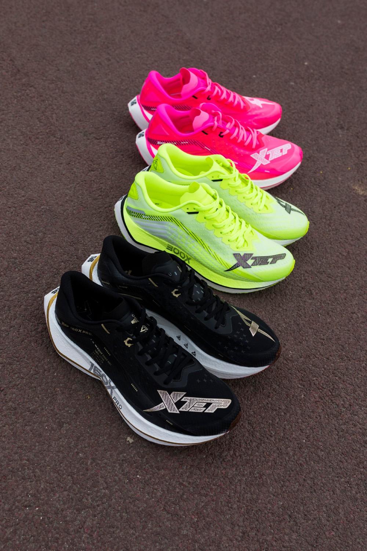 特步,160X 2.0,上脚  国外盛赞国内疯抢!超高性价比全碳跑鞋又来了!你猜多少钱?