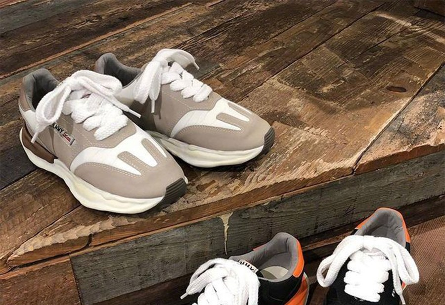 MIHARA  超火的「溶解鞋」又来了!这次是全新跑鞋造型!