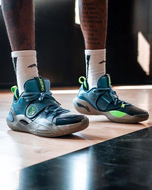 NBA,上脚,巴特勒,路威,拉赛尔  近期 NBA 上脚看花眼!国产战靴以后认准这几双!