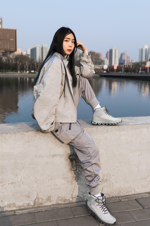 On 昂跑,Cloudridge,Cloudultra  明星们抢着穿这双鞋!小姐姐上脚「熊猫」新配色!又帅又可爱!