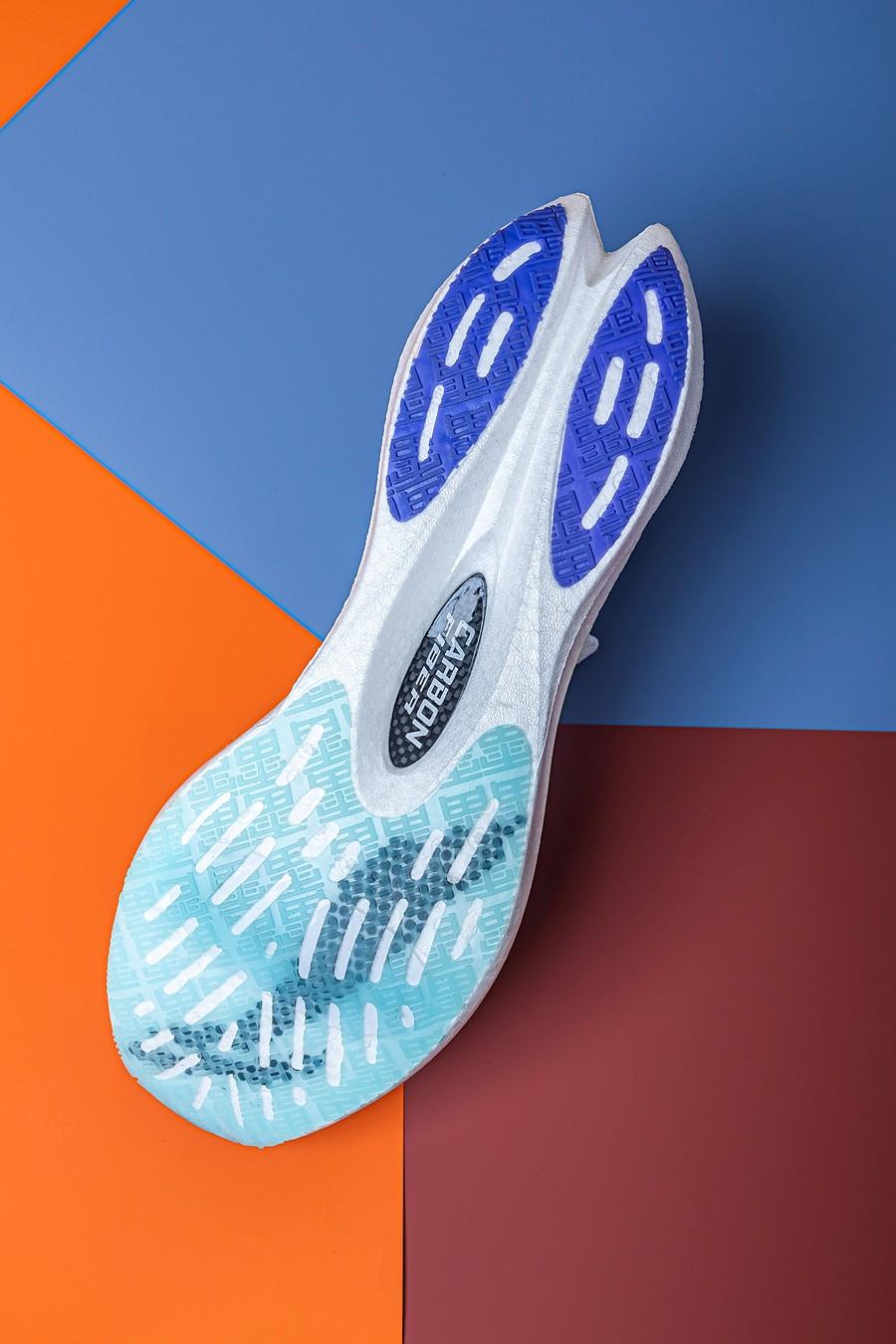 李宁,䨻,飞电,绝影  李宁动真格!多款「弹簧鞋」同时发售!扔地下能弹回来那种!