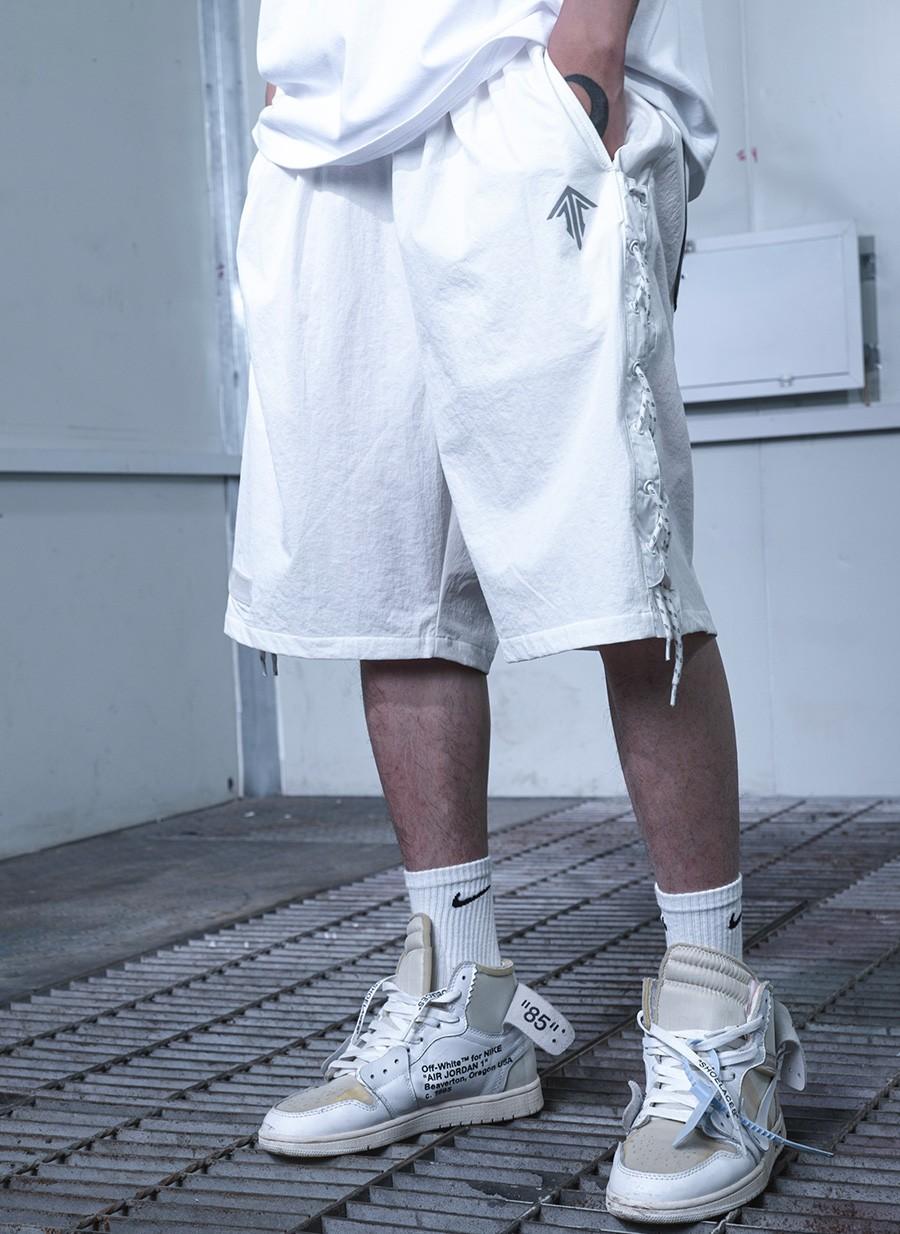 FEAROM,灵笼  3.2 亿播放的顶流动漫!「联名短裤」今天立减¥100!手慢无!
